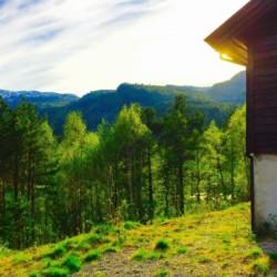 Abendsonne am norwegischen Freizeitheim Omlid.