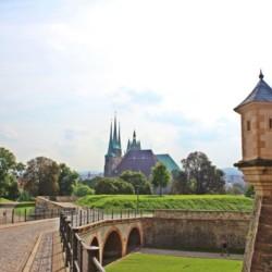 Blick auf den Erfurter Dom am barrierefreien Gästehaus Luisenpark für Menschen mit Handicap