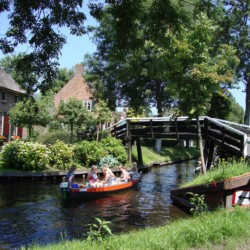 Ausflug nach Giethoorn vom barrierefreien Gruppenhaus Stins in den Niederlanden