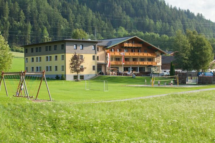 Das Freizeitheim Simonyhof für barrierefreie Gruppenreisen in Österreich.