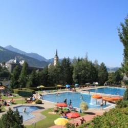 Ausflug in ein Freibad am Freizeithaus Simonyhof in Österreich.