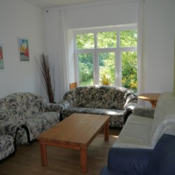 Der Sitzbereich im Gruppenhaus Burlage in Deutschland.