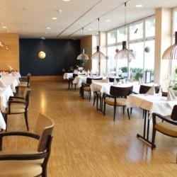 Der Speisesaal im Heidehotel Bad Bevensen in Deutschland.