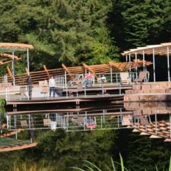 Der Kurpark am Heidehotel Bad Bevensen in Deutschland.