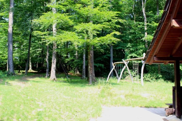 Waldgelände im deutschen Kinderfreizeit und Jugendfreizeithaus Waldheim Häger
