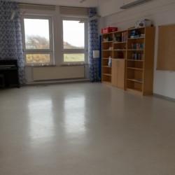 Ein Gruppenraum des Gruppenhauses Kajüte auf der Insel Langeoog für barrierefreie Urlaube.