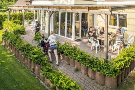 Außengelände vom barrierefreien Ferienhaus Kieler Bucht für Menschen mit Behinderung