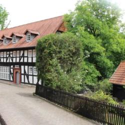 Das Gruppenhaus Largesberg in Deutschland von außen.