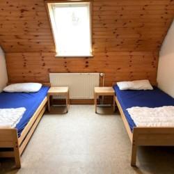 2-Bett Zimmer im deutschen Kinder und Jugendfreizeitheims Lehringen
