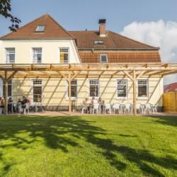 Außengelände vom rolli-gerechten deutschen Freizeitheim Ostseehof