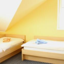 Doppelzimmer im barrierefreien Gästehaus Luisenpark in Erfurt für Menschen mit Behinderung