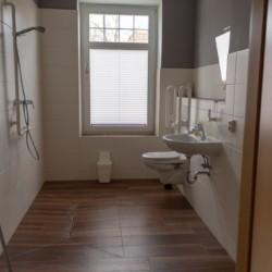 rolligerechtes Bad im Gruppenhaus Ostseehof
