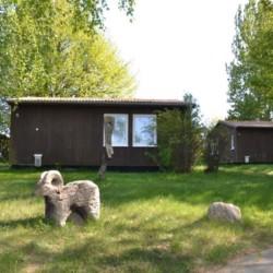 Der Garten des deutschen Freizeithauses Greifswalder Bucht für Kinder und Jugendreisen.