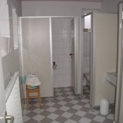 Sanitäre Anlagen im deutschen Freizeitheim Jugendhaus Monschau.