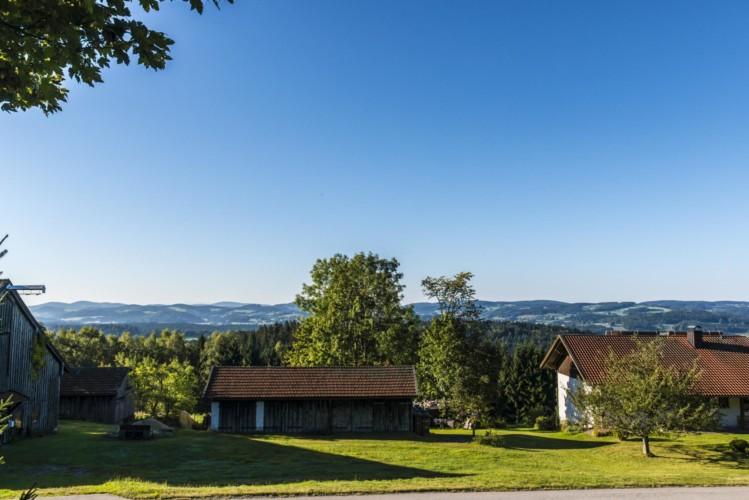 Die Außenansicht des deutschen Gruppenhauses Bergheim Riedelsbach.