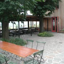 Terasse am deutschen Gruppenhotel Zittauer Gebirge für Kinder und Jugendfreizeiten.
