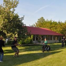 Das großzügige Spielgelände im dänischen Freizeitheim Boll´s Lejrskole auf der Insel.