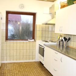 Die gut ausgestattete Küche im dänischen Freizeitheim Boll´s Lejrskole auf der Insel.