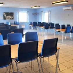 Der Speisesaal des Freizeithauses Ristingegaard für große Gruppen in Dänemark.