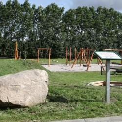 Der Spielplatz im dänischen Freizeitheim Haervejens Leirskole für große Gruppen.