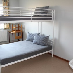 Der Doppelzimmer im dänischen Kinder- und Jugendfreizeitheim Rubjerglejren direkt am Meer.