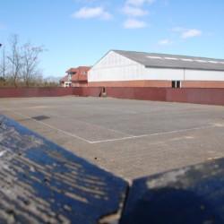 Das Basketball-Feld des Freizeithauses Solgarden Efterskole in Dänemark.