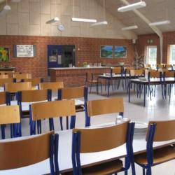 Der Speisesaal des dänischen Freizeithauses Solgarden Efterskole.