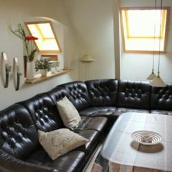 Ein weiterer Sitzbereich des Gruppenhauses Vadehavs in Dänemark.