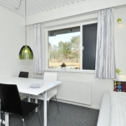 Ein Zimmer im Gruppenhaus Virksund in Dänemark.