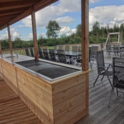 Die Ausstattung des Außenbereichs am dänischen Gruppenhaus Virksund.