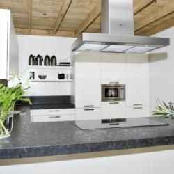 Barrierefreie Küche im niederländischen Gruppenhaus Lunde für behinderte Menschen