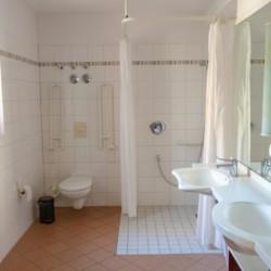 Die handicapgerechten sanitären Anlagen im Freizeitheim Heringsdorf in Deutschland.