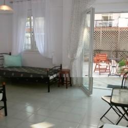 rolli-gerechtes Doppelzimmer im griechischen Gruppenhaus für Menschen mit Behinderungam Meer
