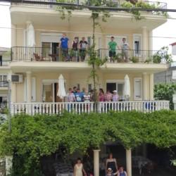griechisches barrierefreies Gruppenhaus für Menschen mit Behinderungam Meer