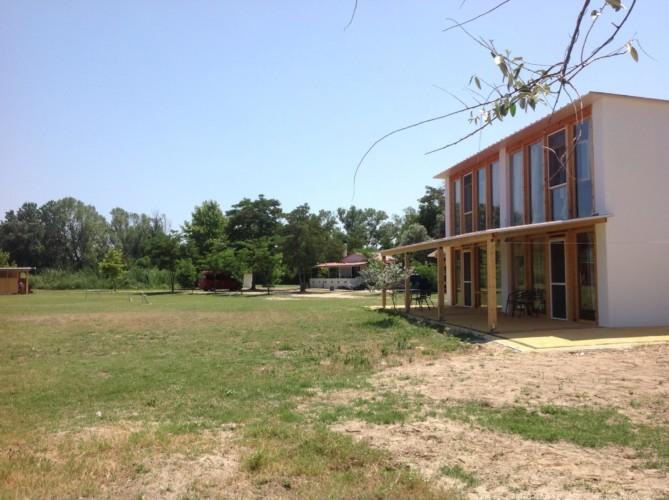 rolli-gerechtes Panoramahaus im griechischen Feriencamp Strandlodge direkt am Mittelmeer