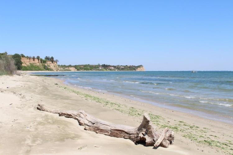 Strand am griechischen Feriencamp für Jugendfreizeiten direkt am Meer