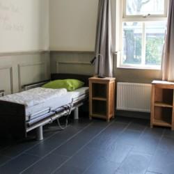 Schlafzimmer im Gruppenhaus für behinderte Menschen in den Niederlanden