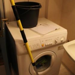 Eine Waschmaschine im norwegischen Freizeitheim Omlid.