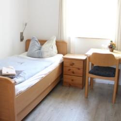 barrierefreies Zimmer im Gruppenhaus Hainichen für behinderte Menschen