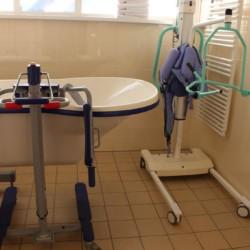 Hilfsmittel im barrierefreien Gruppehaus Ameland für behinderte Menschen