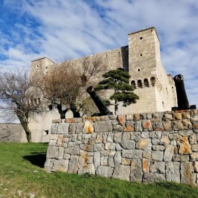 Die Festung Nehaj sollte Teil Eures Tagesausflugs sein, wenn Ihr in einem unserer kroatischen Gruppenhäuser wohnt