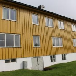 noha 2020 Das Gruppenhaus Haraset in Norwegen im Wald mit großem Außengelände.