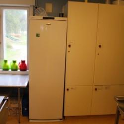 Große Gefriermöglicheiten in der Profiküche im norwegischen Sommerlager Freizeitheim.
