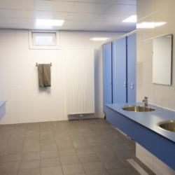 Sanitär im niederländischen Gruppenhaus Kwartjesberg