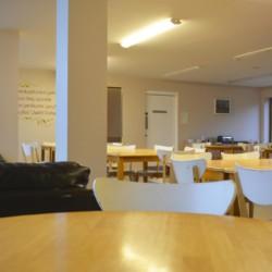 Speisesaal im irischen Gruppenheim Donegal Hostel für Kinder und Jugendreisen.