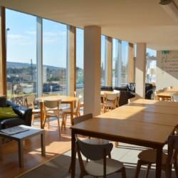 Speisesaal im irischen Freizeithaus Donegal Hostel für Kinder und Jugendreisen.