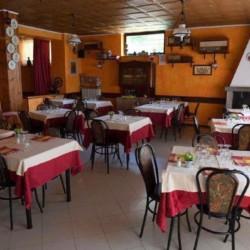 Der Speiseraum der italienischen Ferienanlage La Capannina.