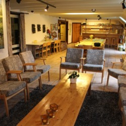 Wohnzimmer im niederländischen barrierefreien Gruppenhaus Anderhoes