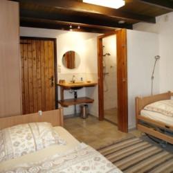 Ebenerdiges Doppelzimmer im handicapgerechten Gruppenhaus Anderhoes in den Niederlanden