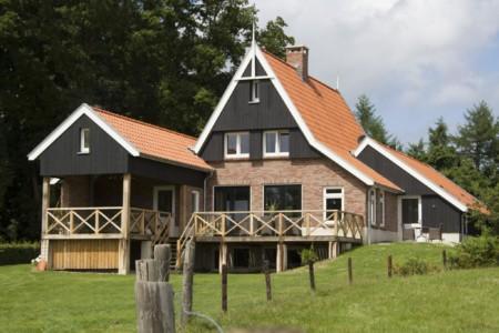 Die Außenansicht des Freizeitheims Buiten in den Niederlanden.